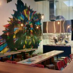 Фото 9: Рамен-бар, соединияющий современный дизайн с японской уличной культурой