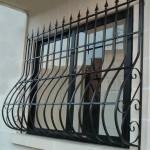 Vidy metallicheskih reshetok na okna s foto (11)