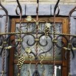 Фото 6: Решетки с узорами на окна