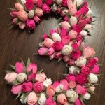 Фото 71: Декор цифры розами