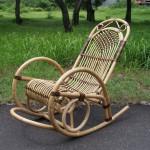 Фото 12: Двухцветное кресло-качалка из ротанга