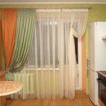 Фото 7: Шторы на кухню на балкон