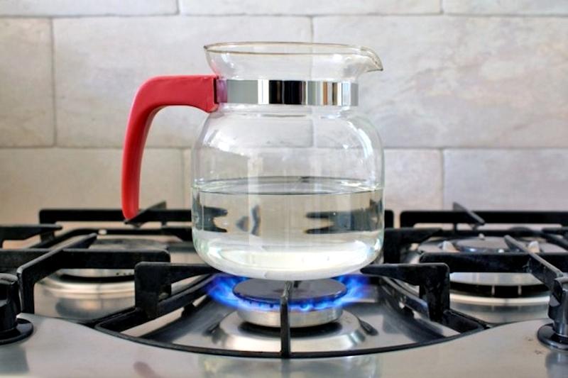 Чайник для плиты из стекла
