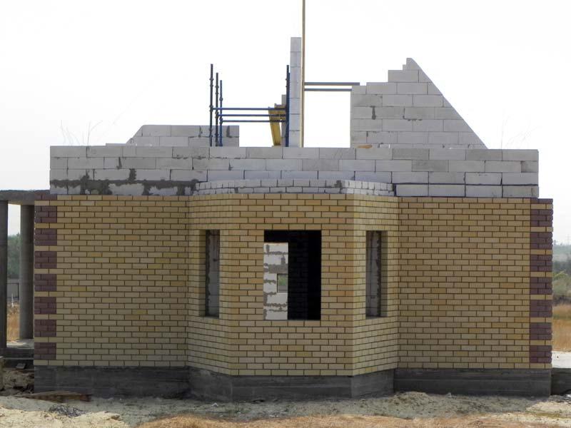 Дом на этапе строительства