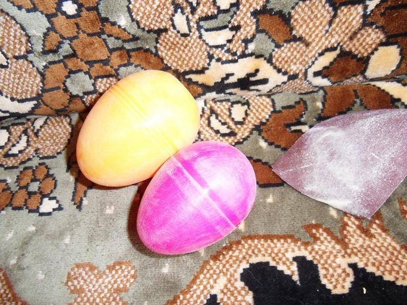 Зашкуривание пластиковых яиц