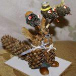 Фото 33: Поделки из шишек горынчы