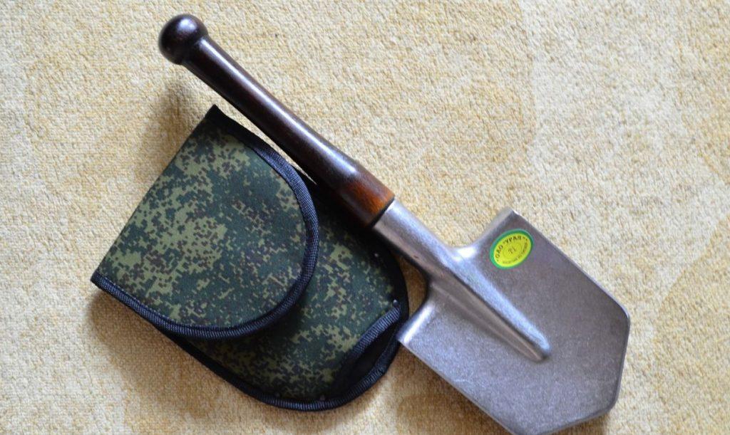 Автомобильная лопата