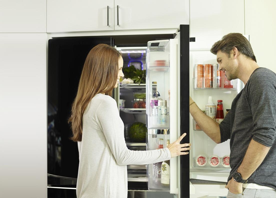 Холодильник lg черный