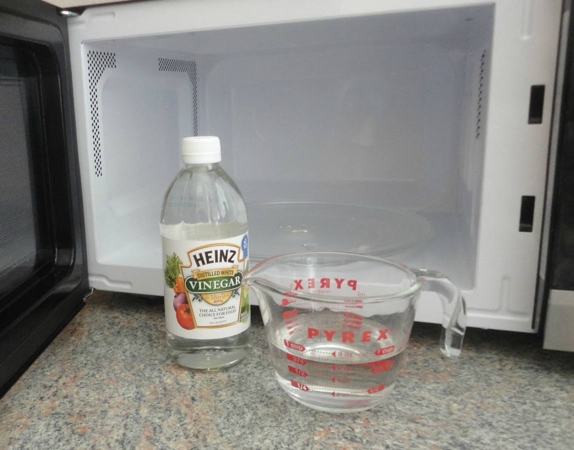 Как почистить микроволновку от жира уксусом