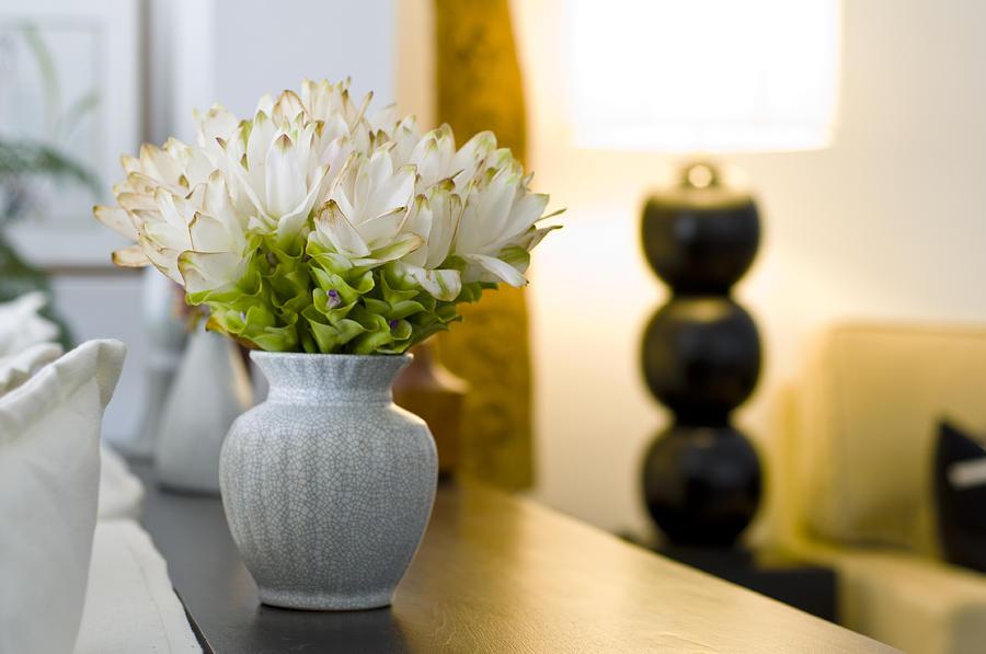 Небольшие искусственные цветы для декора
