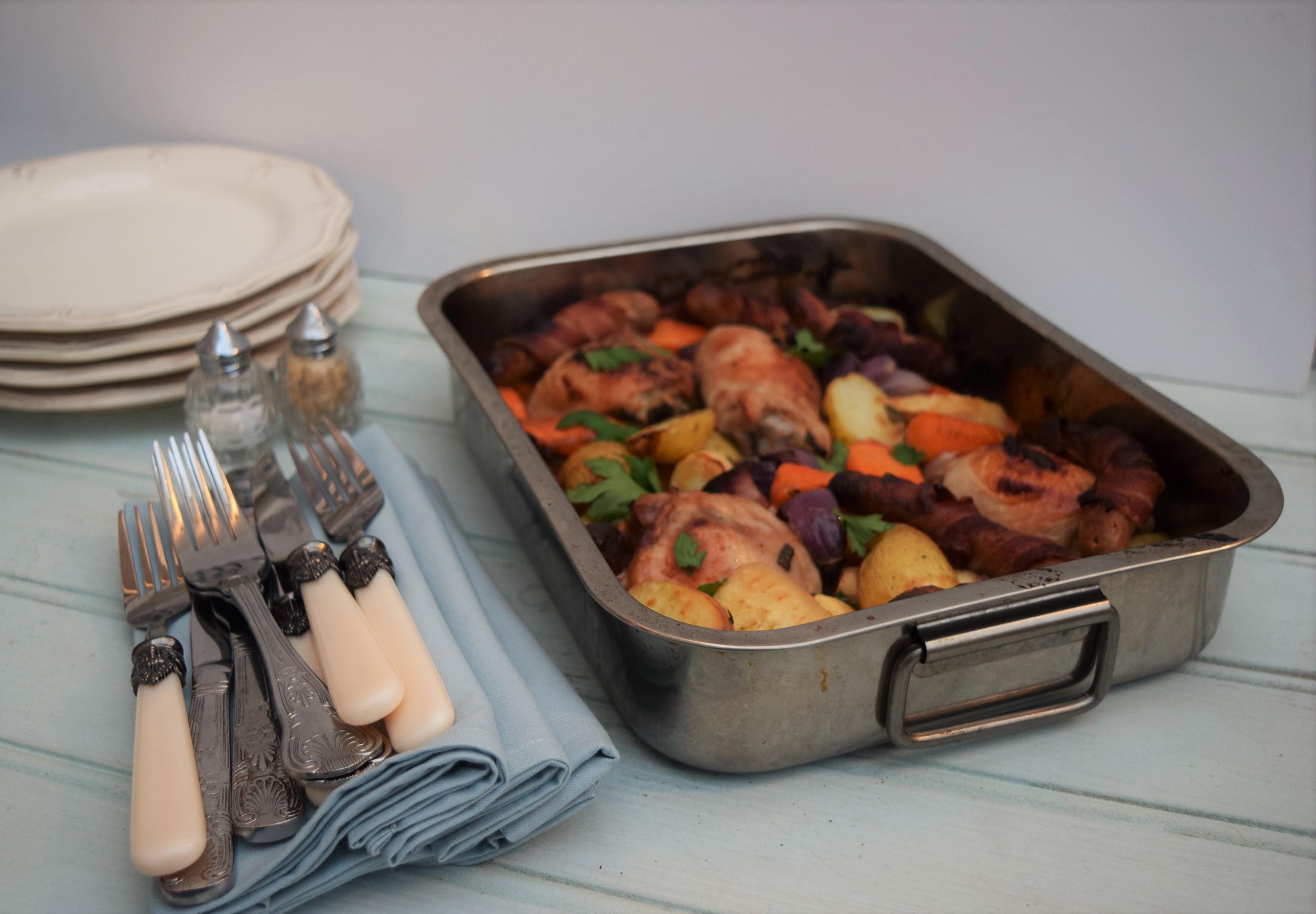Свинина с овощями в духовке