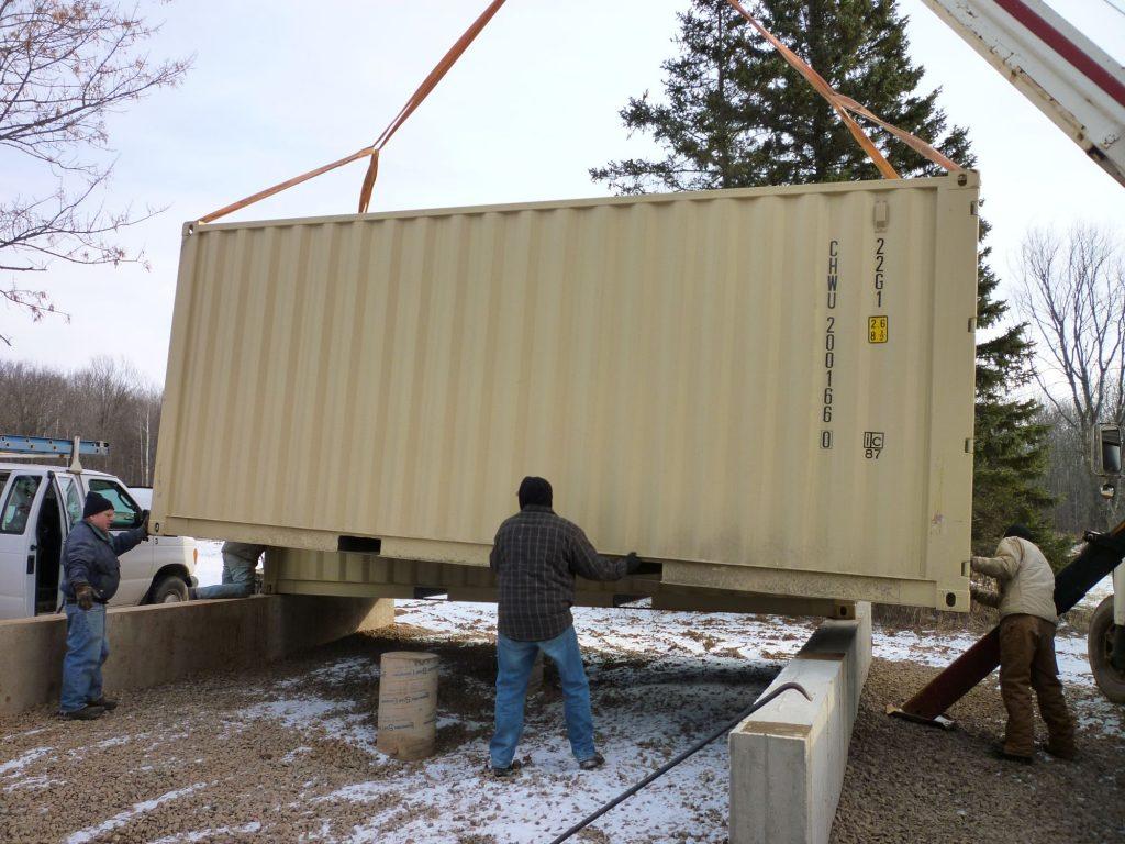 Установка контейнера на легкий фундамент