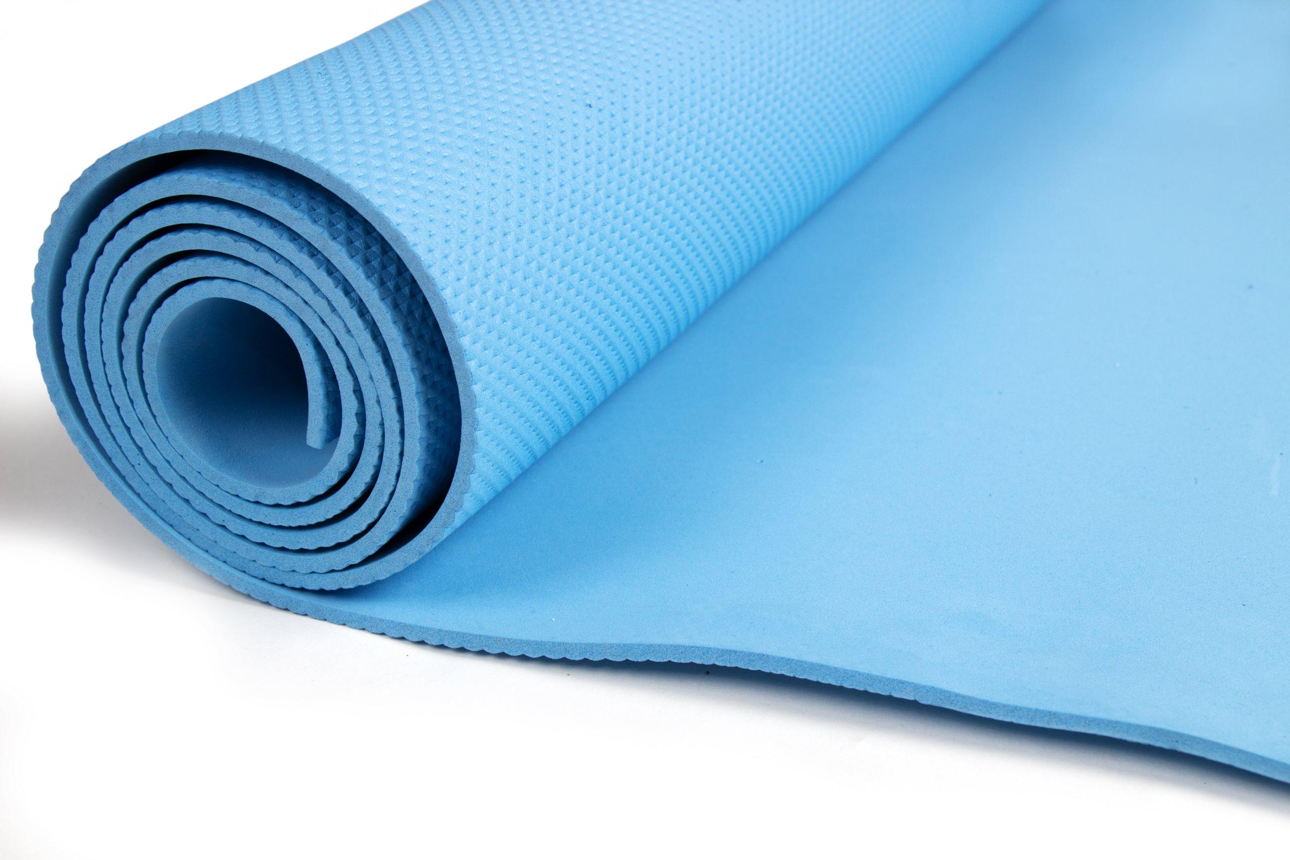 Голубой коврик для фитнеса