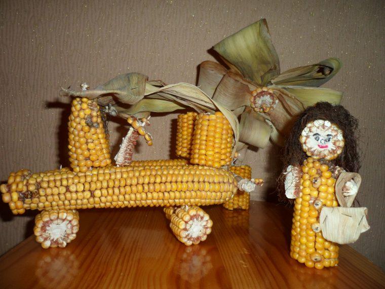 Что можно сделать из початка кукурузы поделка 9