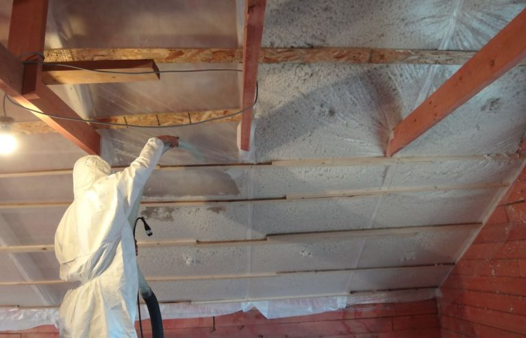 Как своими руками утеплить крышу дома 23