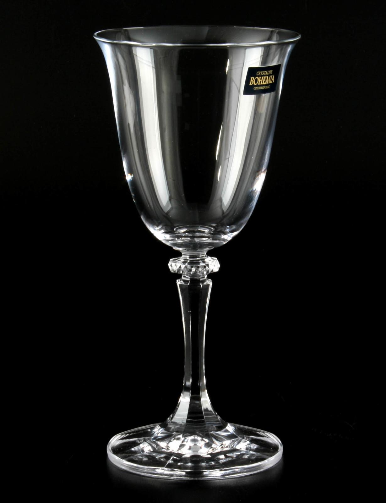 1 бокал для вина