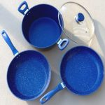 Фото 30: Каменная сковорода с синим красителем