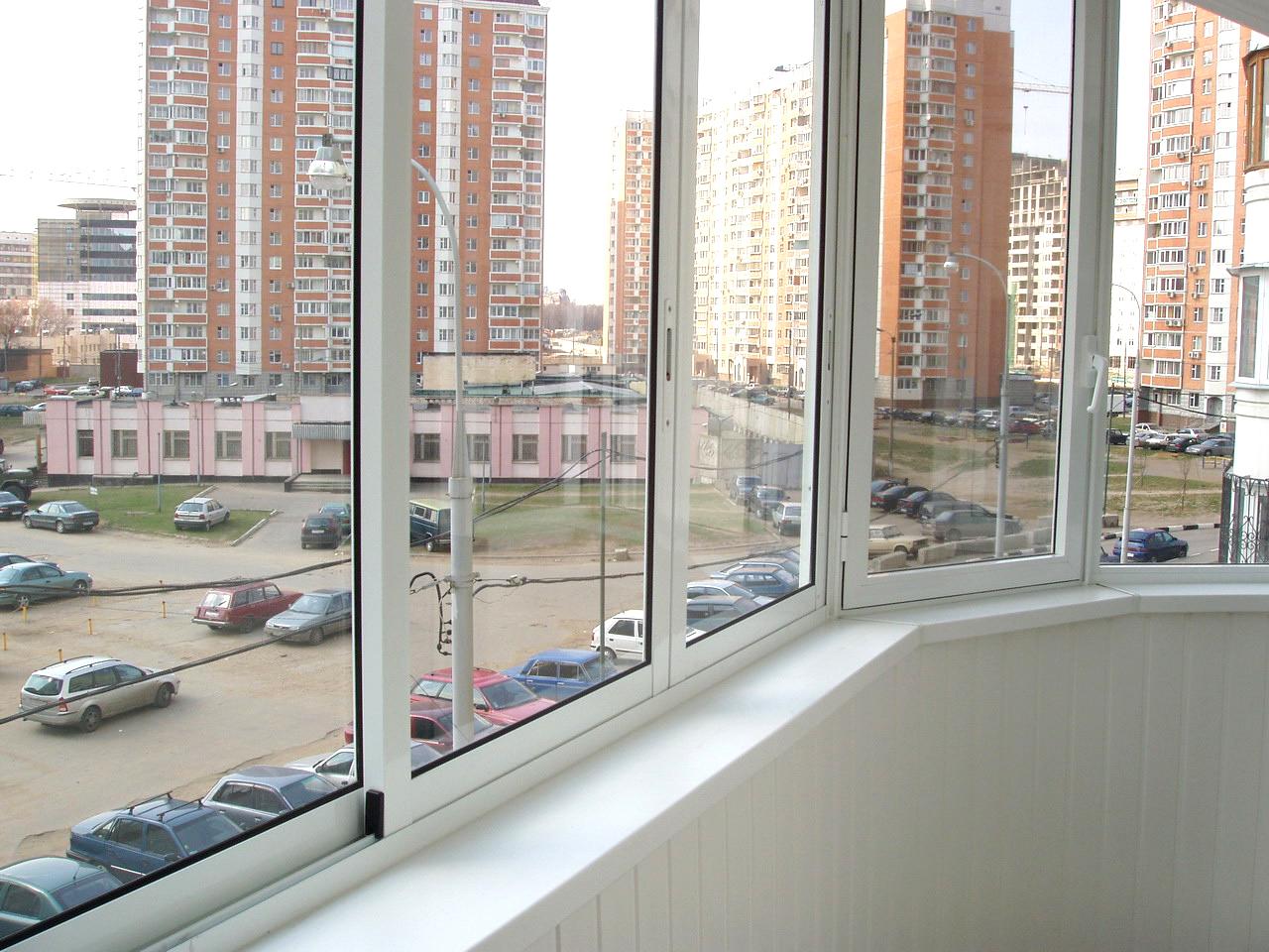 Холодное остекление балконов и лоджий: варианты отделки.
