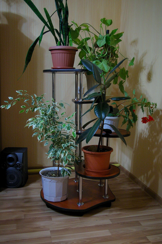 Вертикальная подставка для цветов