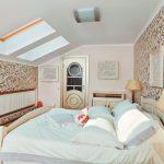 Фото 7: Спальня в мансарде