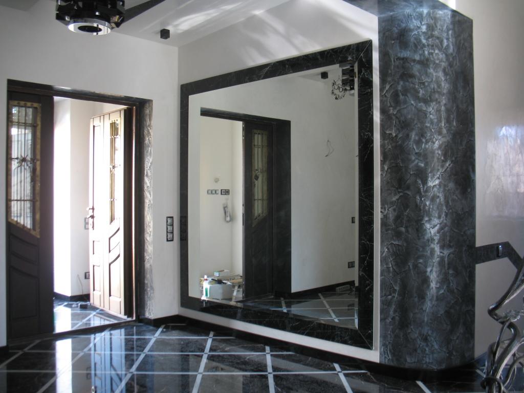 Объемное зеркало на фото