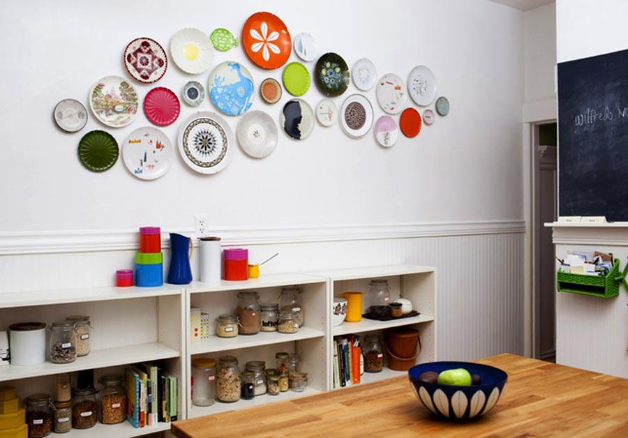 Как задекорировать стену в комнате своими руками