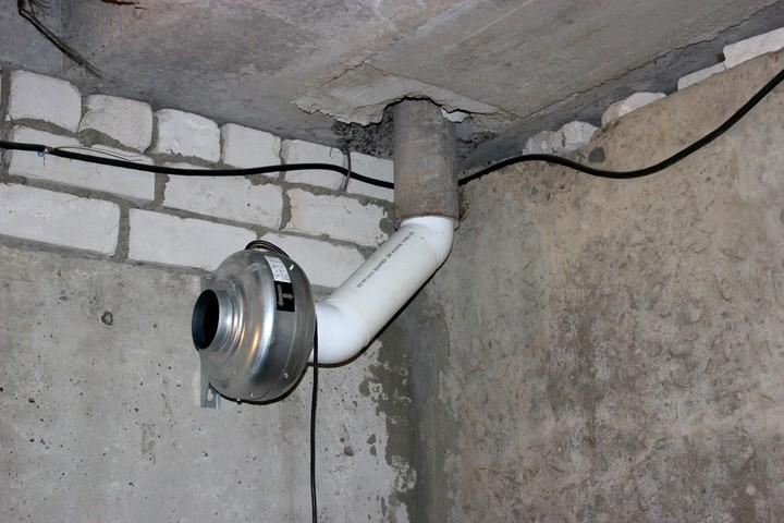 вентиляция в погребе гаража
