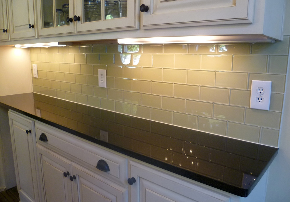 Tile backsplash glass