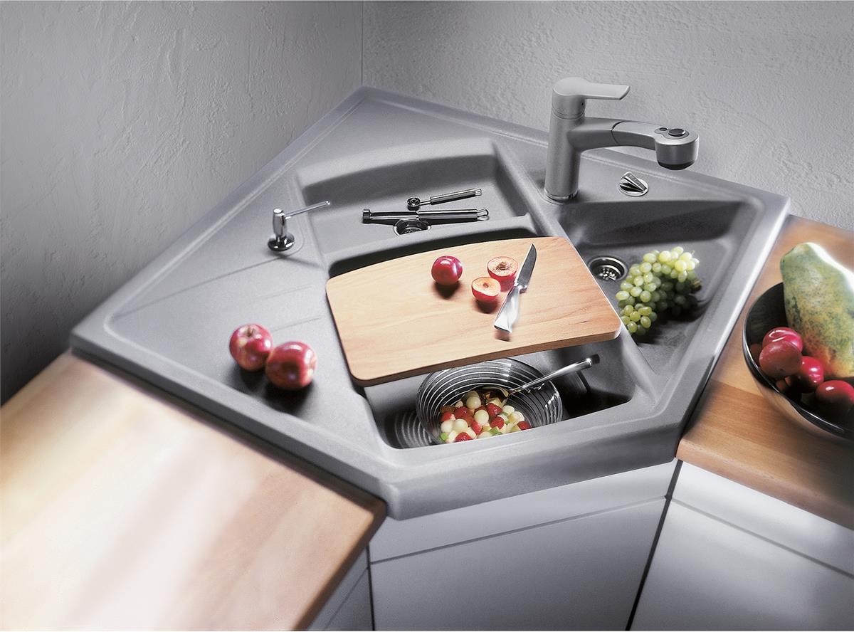 Угловая мойка для кухни многоуровневая