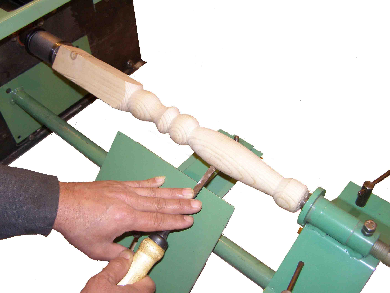 Станок деревообрабатывающий в применении мастером