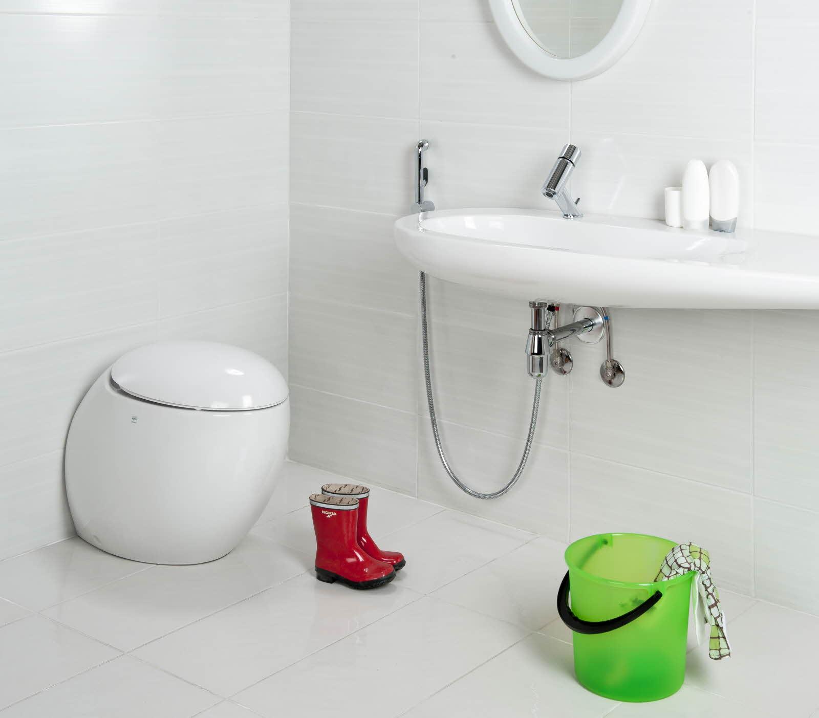 На фото изображен гигиенический душ
