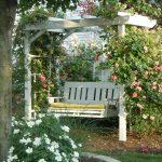 Фото 34: Пергола - качель в саду