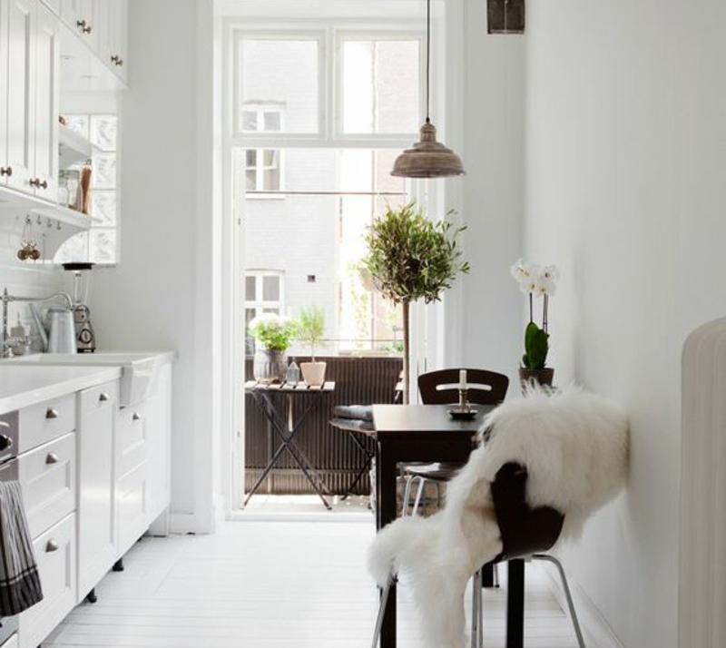 Дизайн кухни 12 кв. м с балконом
