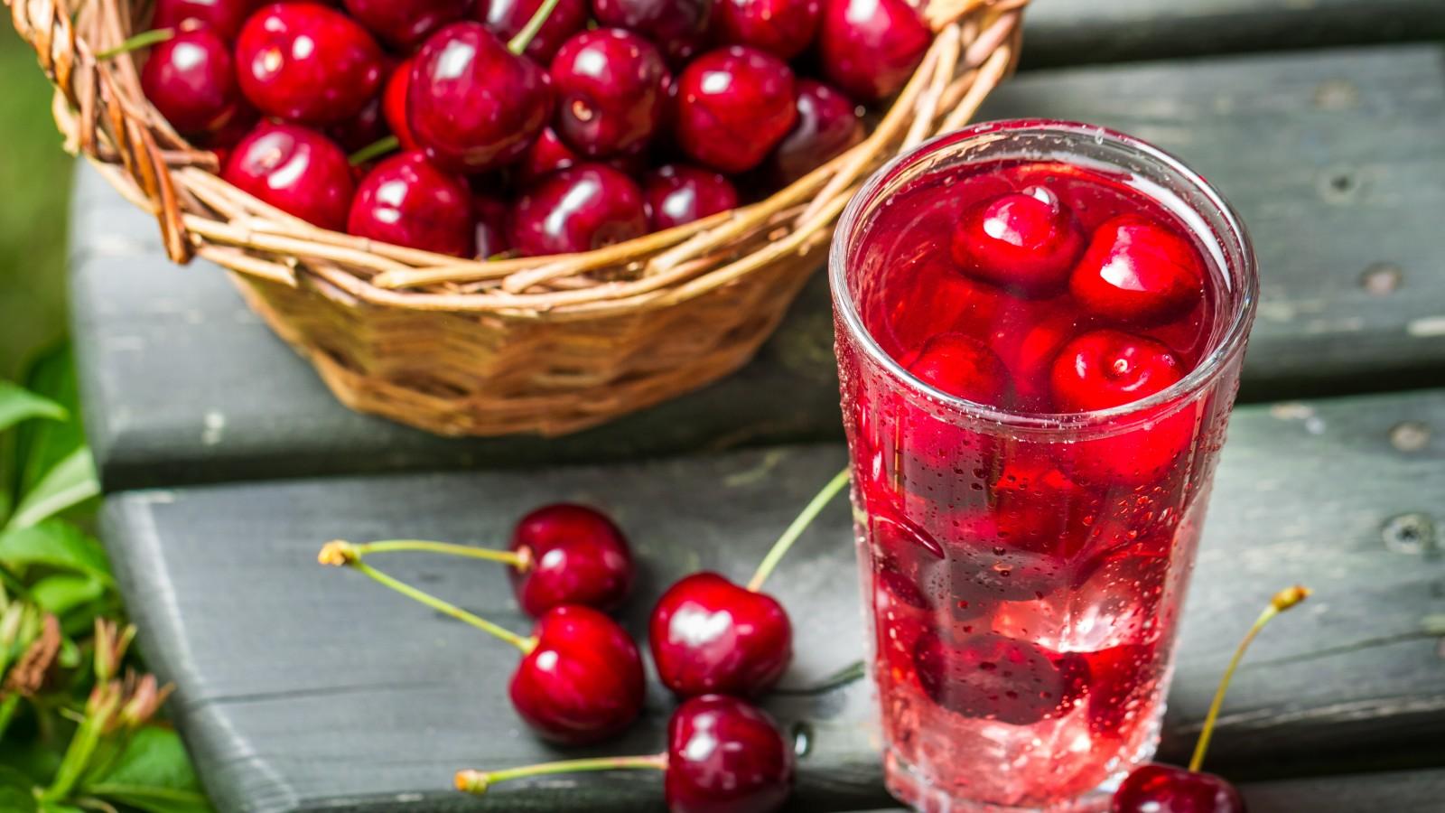 Сок из вишни