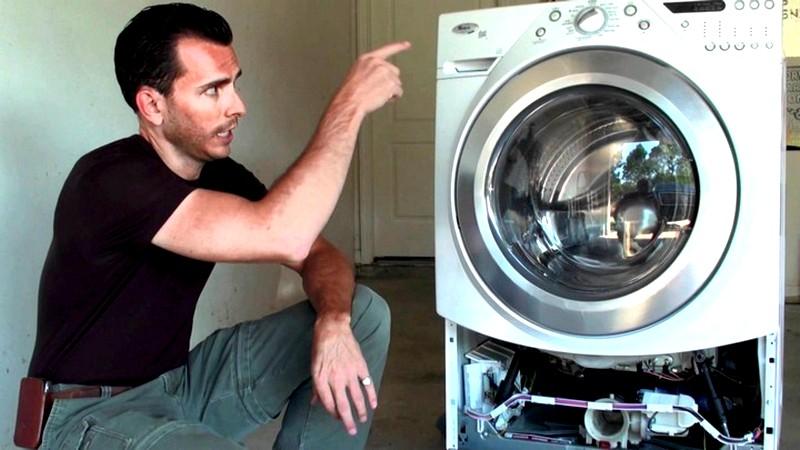 причины-запаха-в-стиральной-машине
