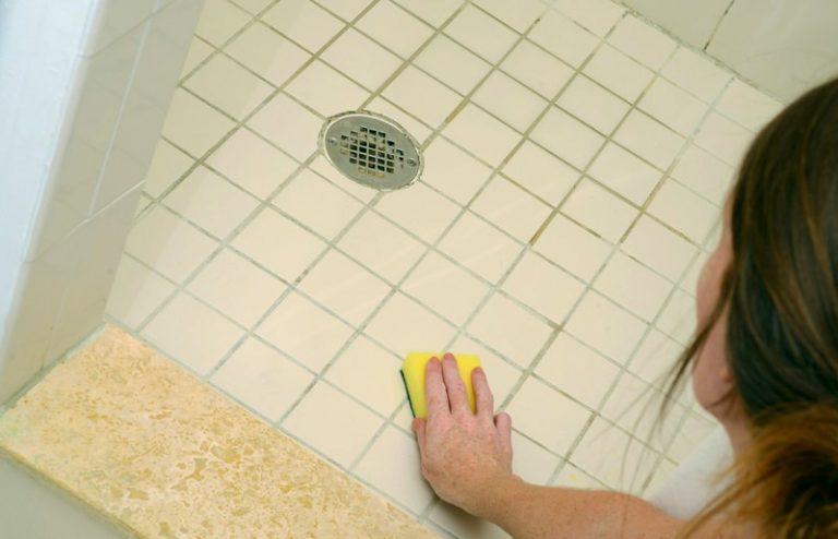 Чем выводить грибок в ванной