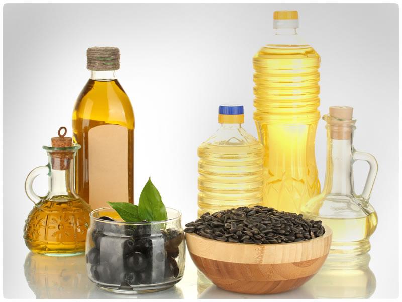 Растительное масло поможет разрушить клейкую основу скотча