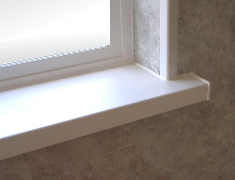 kak_otmytj_podokonnik_plastikovogo_okna