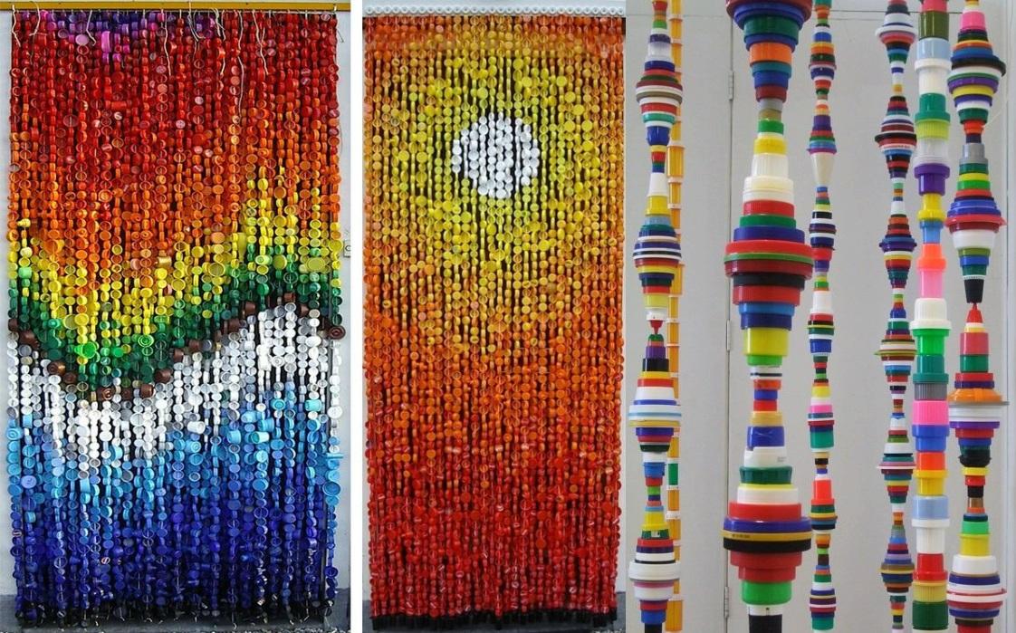 Для изготовления штор можно использовать одноцветные или разных оттенков крышки