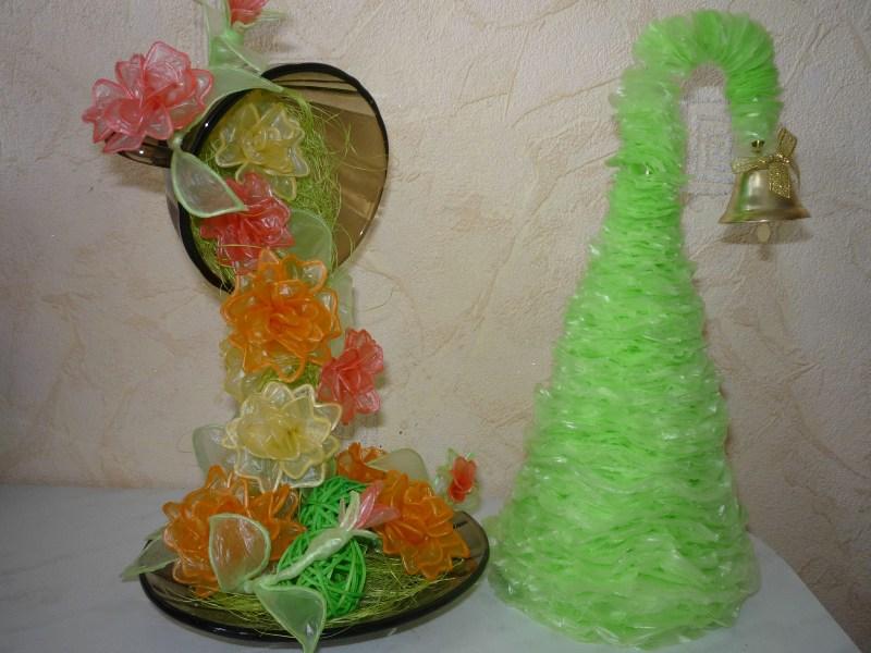 милые елочки из зеленого целлофана
