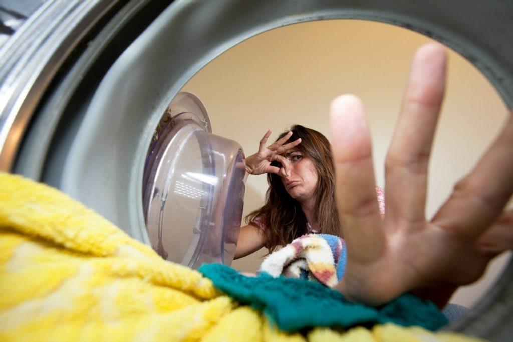Плохой запах из стиральной машины