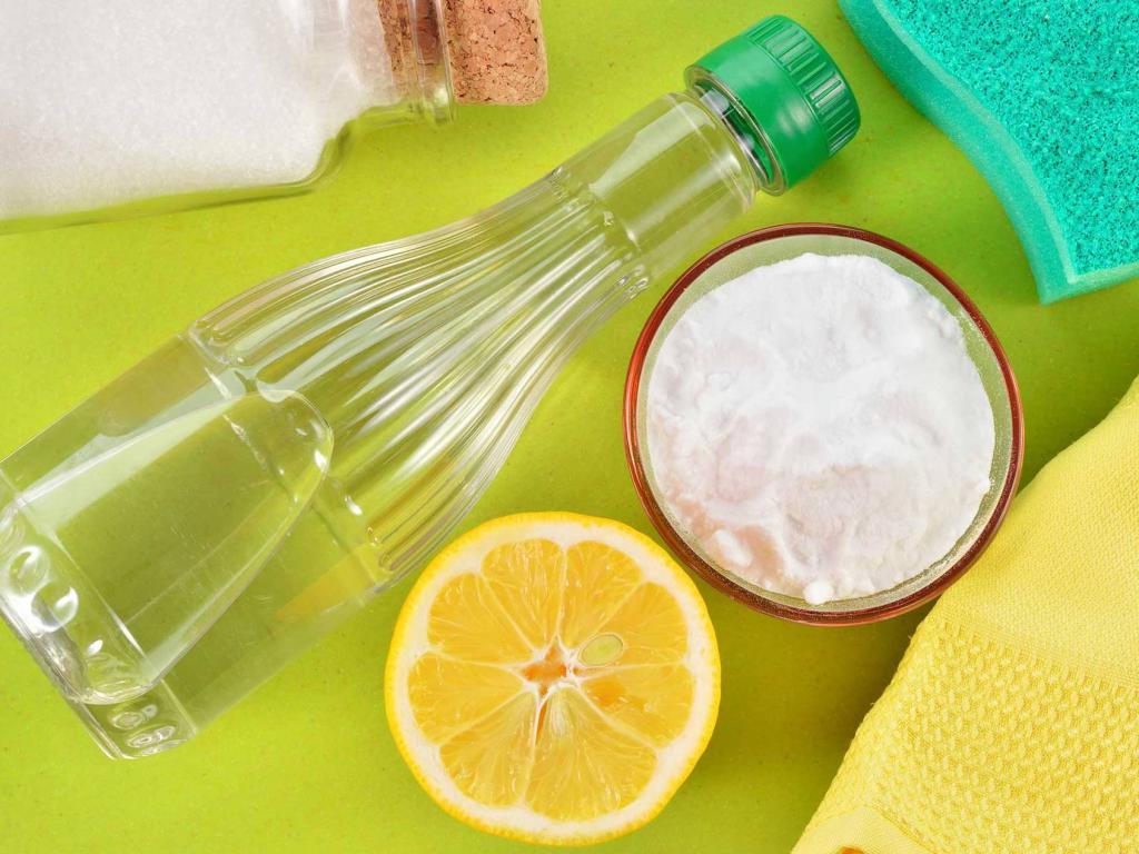 Сода, уксус и лимон для чистки микроволновки