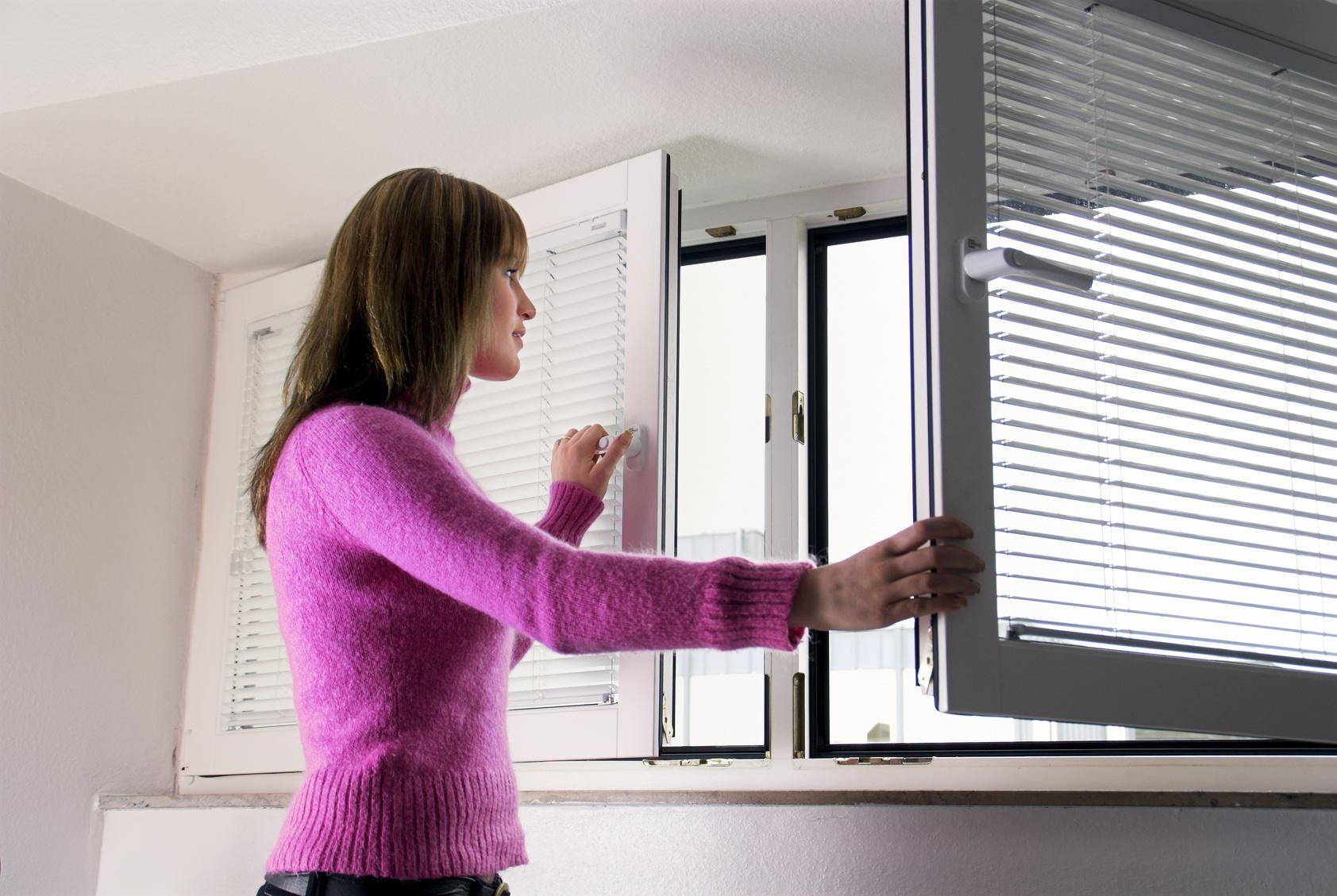 Если вы почувствовали запах гари, приступайте к проветриванию помещения