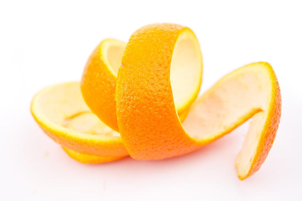 Апельсиновая кожура способна избавить вас на короткое время от запаха гари