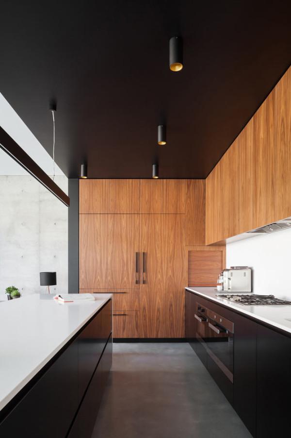 semejnyj-dom-s-betonnym-fasadom4