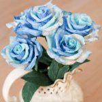 Фото 10: Голубые розы из бумаги