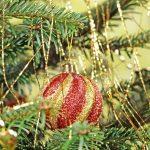 Фото 7: Золотой дождик на елке