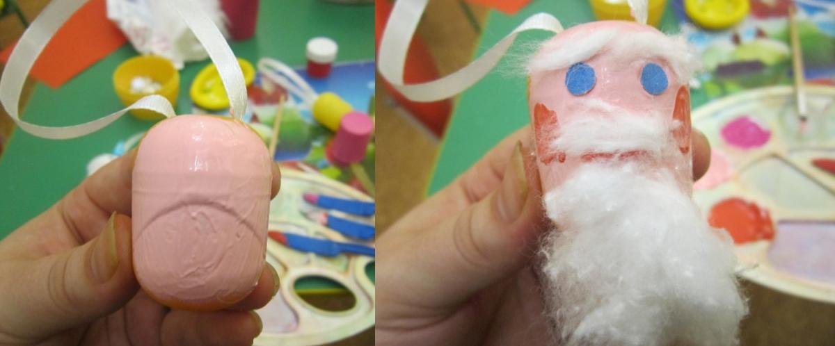 Изготовление игрушки в виде Деда Мороза на елочку из киндеров