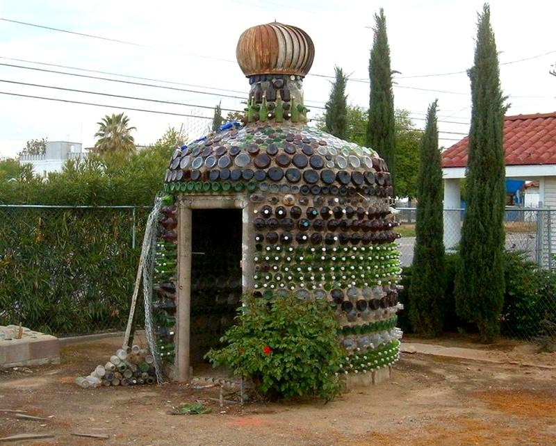 dom_iz_cementa_i_butylok