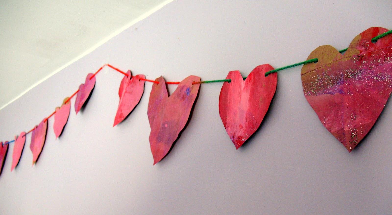 Как сделать гирлянду из сердечек для фото